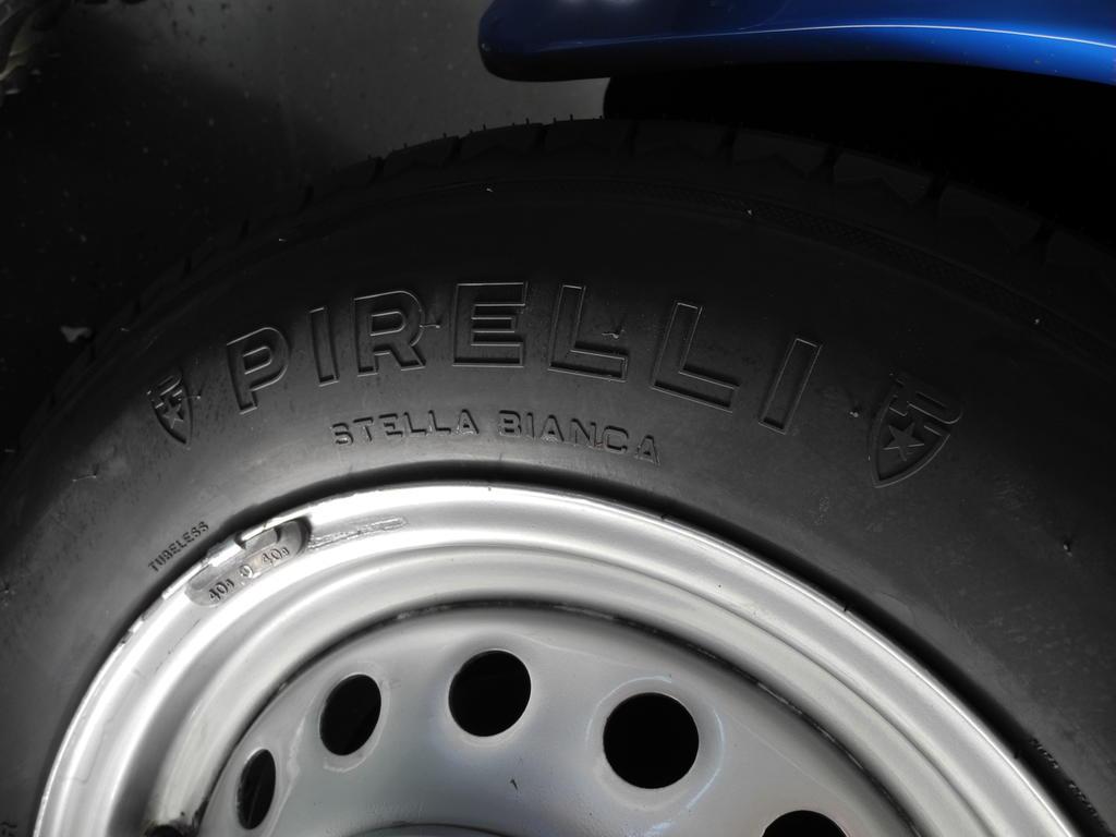 Pirelli Stella Bianca Vmax=240 km/h